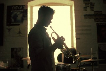 Donnie-Trumpet-featuring-Vic-Mensa-Dont-Leave-cover