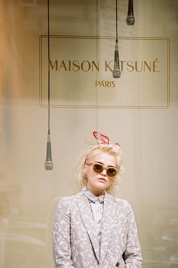Maison-Kitsune-Spring-Summer-2014-New-Wave-Lookbook-featuring-Sky-Ferreira-folkr-17