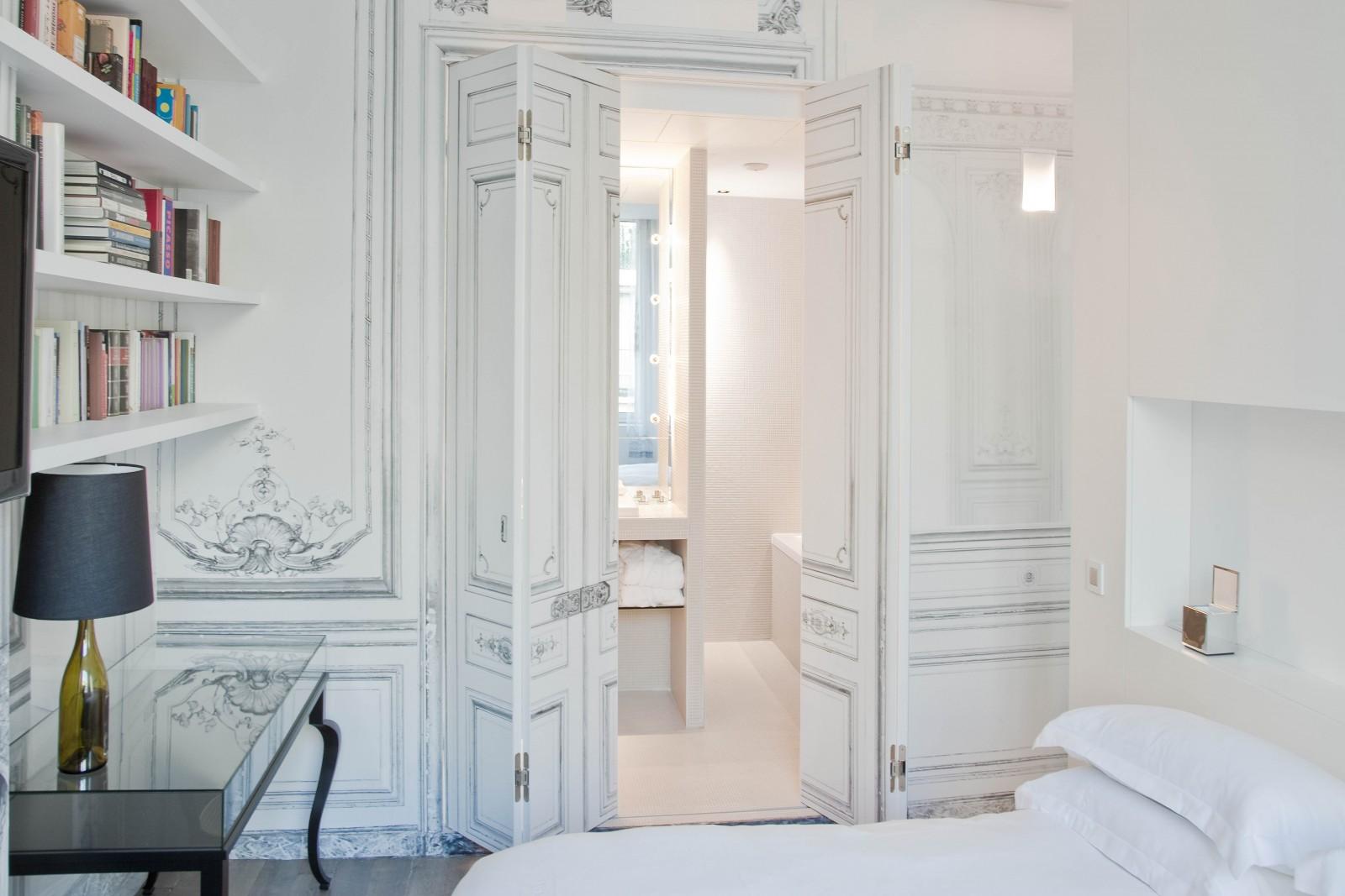 Maison martin margiela pour la maison champs elys es - La maison champs elysees hotel ...