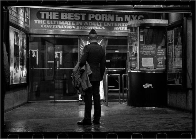 Urban_Prisoner_Matt_Weber_30-years-of-new-york-photography_13