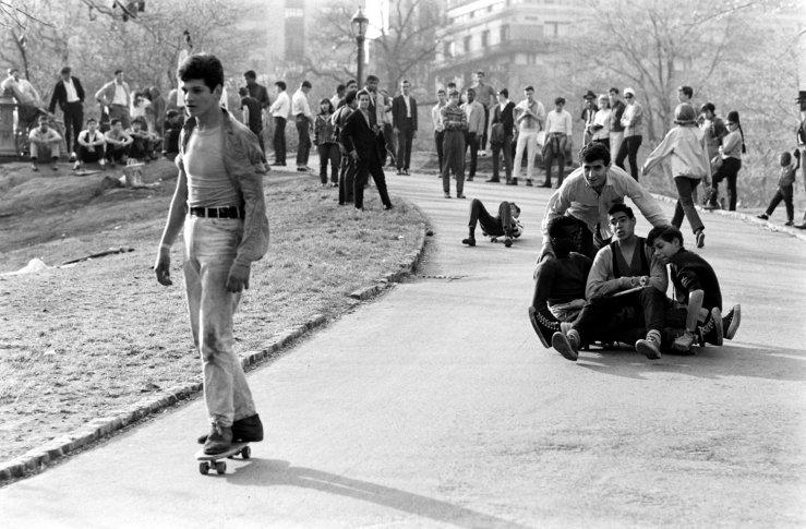 Life-goes-skateboarding-1965-04
