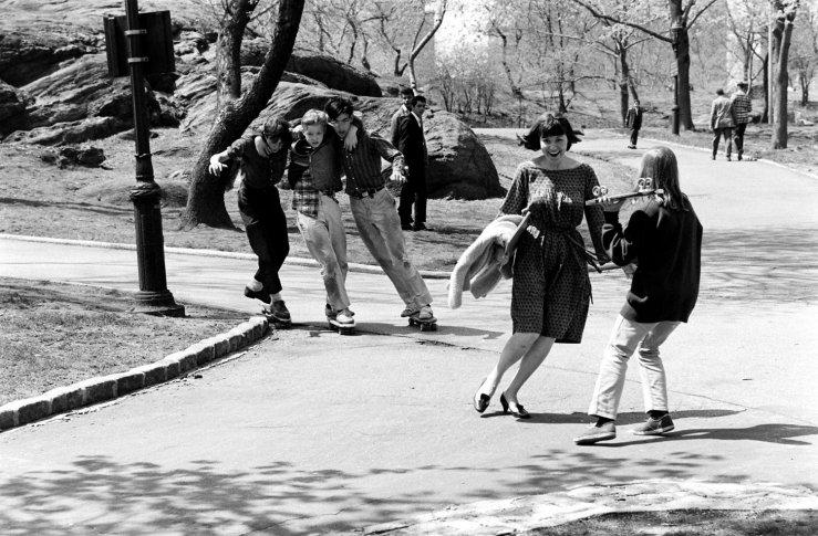 Life-goes-skateboarding-1965-12