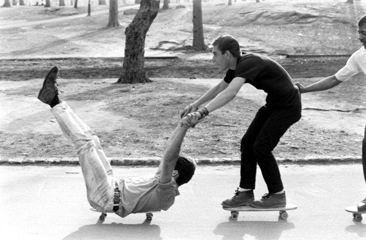 Life-goes-skateboarding-1965-13