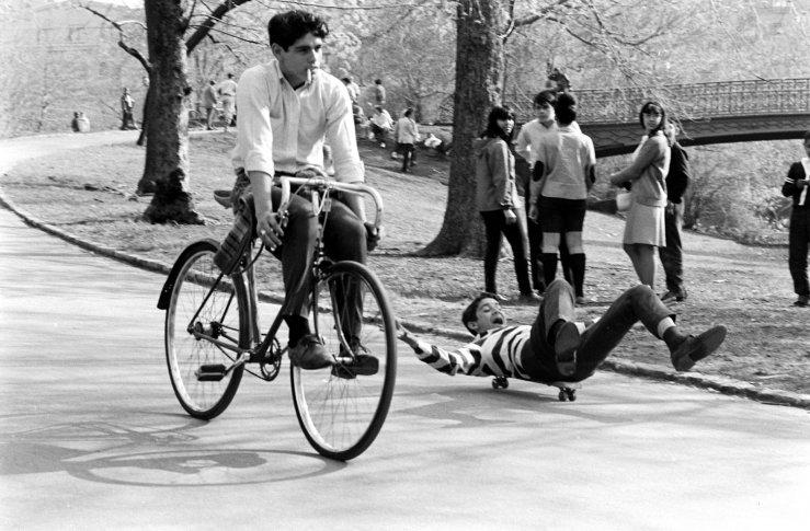 Life-goes-skateboarding-1965-15