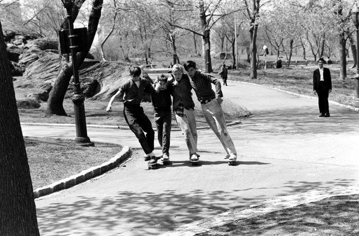 Life-goes-skateboarding-1965-16