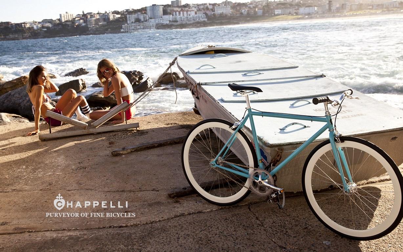 chappelli-cycles-campagne-pub-ete-2013-shot-principal-9-malmo-sur-une-bateau_o