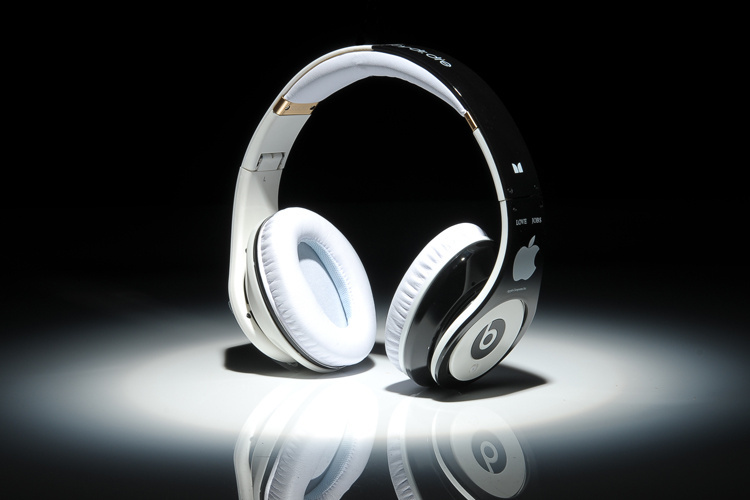 Beats-By-Dre-Apple-Logo-casque