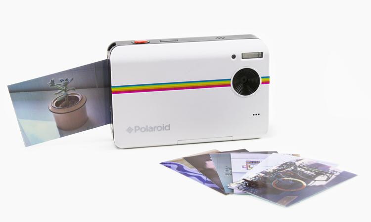 meilleurs-objets-accessoires-2014-Polaroid-Z2300-Instant-Digital-Camera-Kit