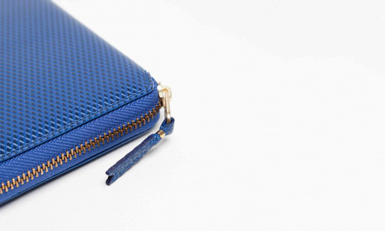 meilleurs-objets-accessoires-2014-wallet-comme-des-garcons-bleu