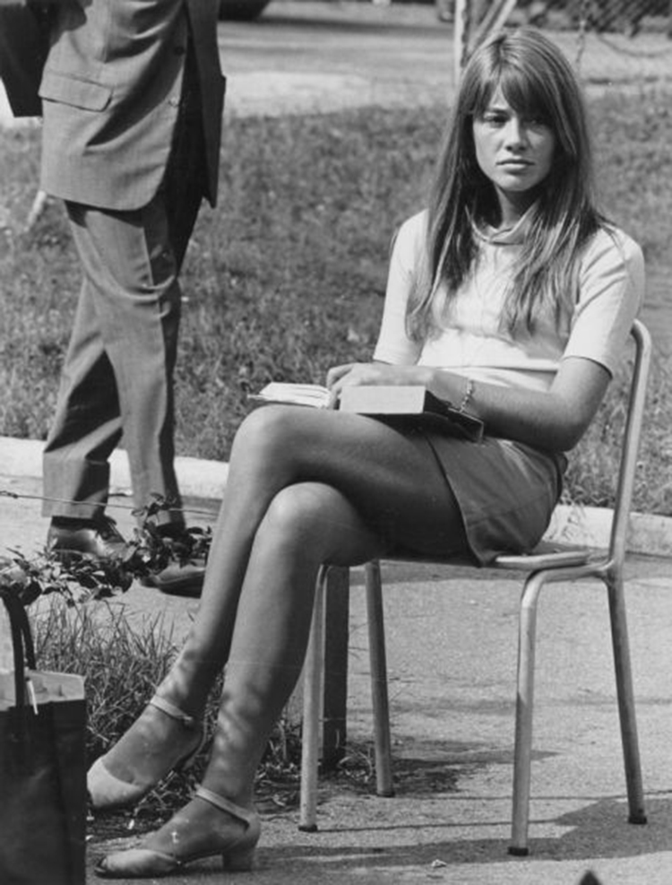a-guide-to-cool-françoise-hardy-18