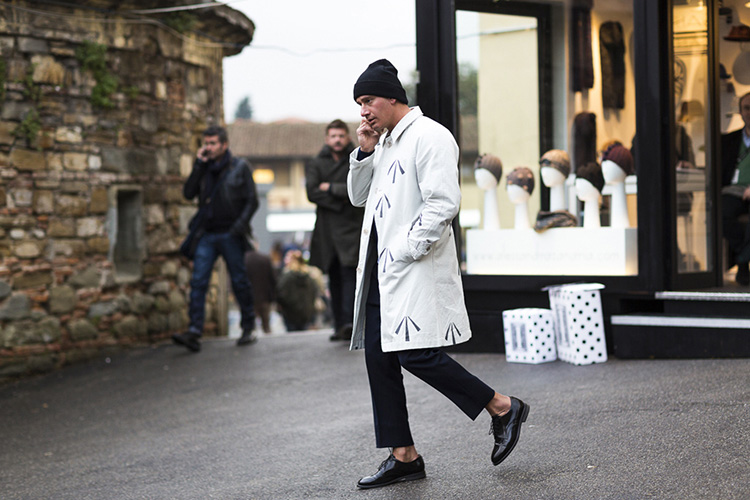 street-looks-fashion-style-fall-2015-menswear-street-style-pitti-uomo-j-ai-perdu-ma-veste-gq-5044_jpg_2019_north_1024x_white