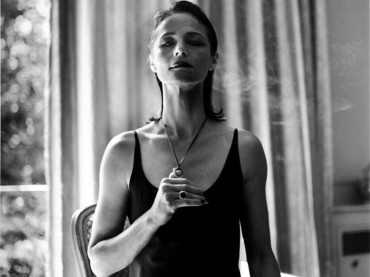 charlotte-rampling-a-guide-to-cool-folkr-02