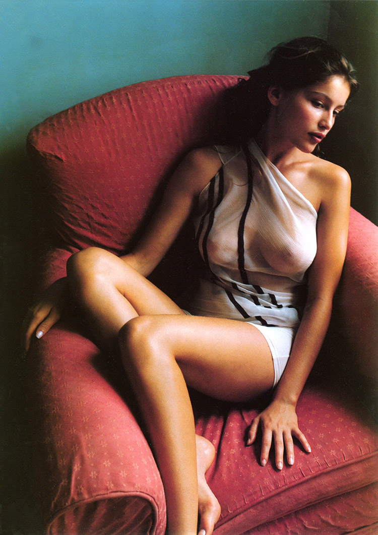 a-guide-to-cool-folkr-laetitia-casta-20