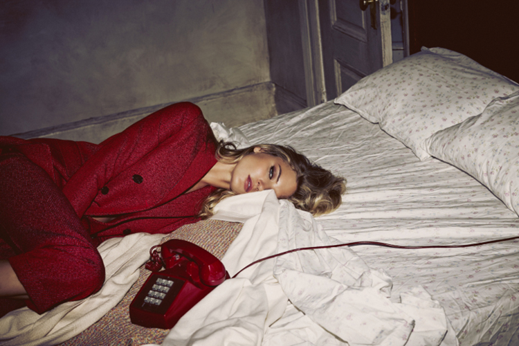 martha-hunt-by-guy-aroch-for-so-it-goes-magazine-fall-winter-2015-folkr-01