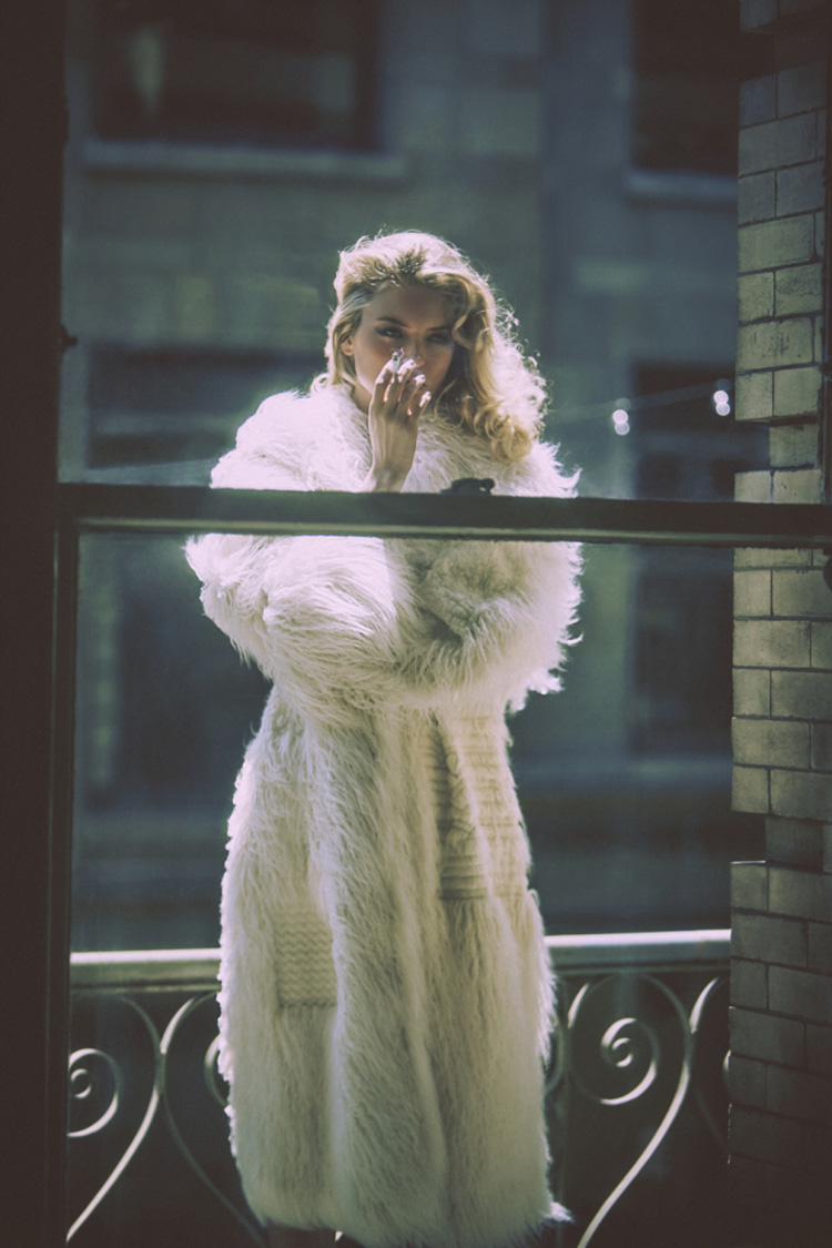 martha-hunt-by-guy-aroch-for-so-it-goes-magazine-fall-winter-2015-folkr-06