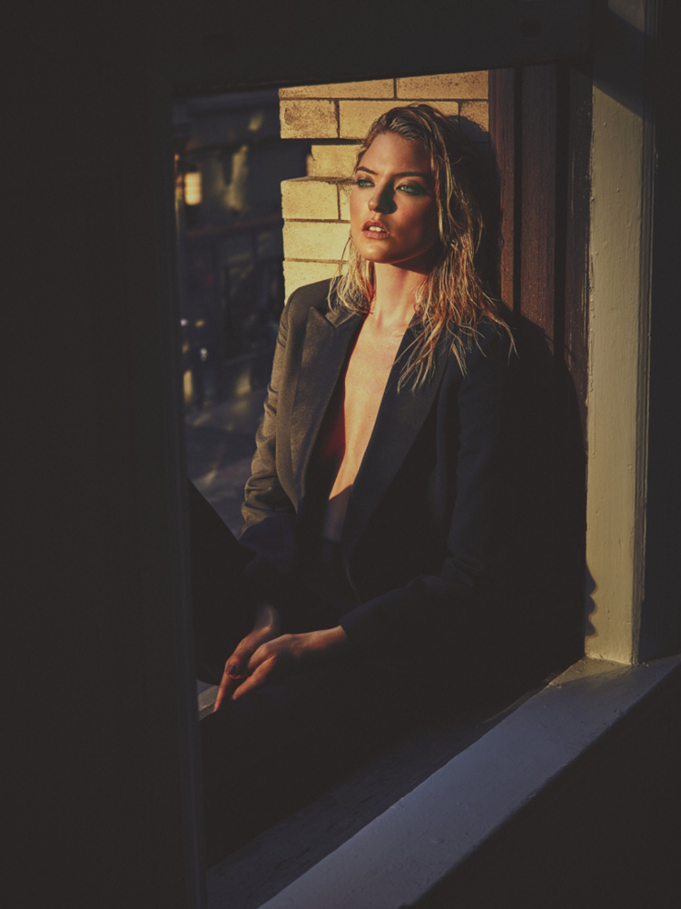 martha-hunt-by-guy-aroch-for-so-it-goes-magazine-fall-winter-2015-folkr-09