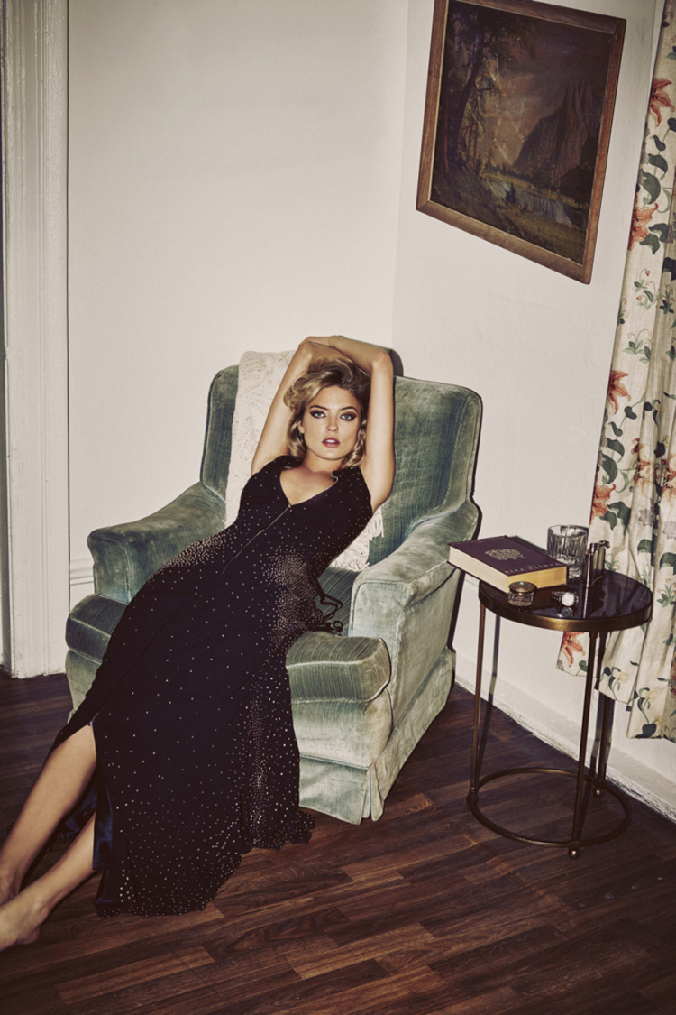 martha-hunt-by-guy-aroch-for-so-it-goes-magazine-fall-winter-2015-folkr-12