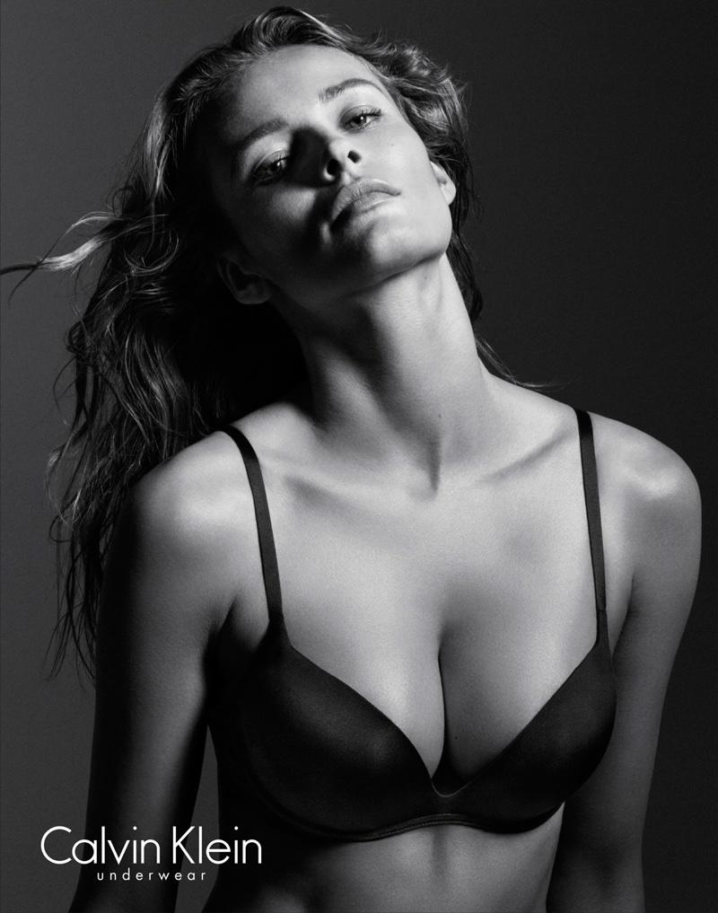 Edita-Vilkeviciute-Calvin-Klein-Underwear-folkr-03