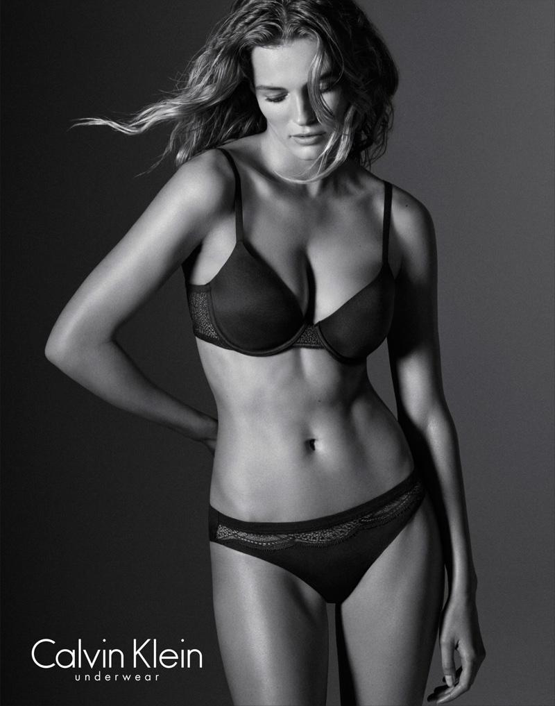 Edita-Vilkeviciute-Calvin-Klein-Underwear-folkr-09