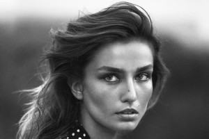 andreea-diaconu-by-lachlan-bailey-for-vogue-china-november-2015-cover