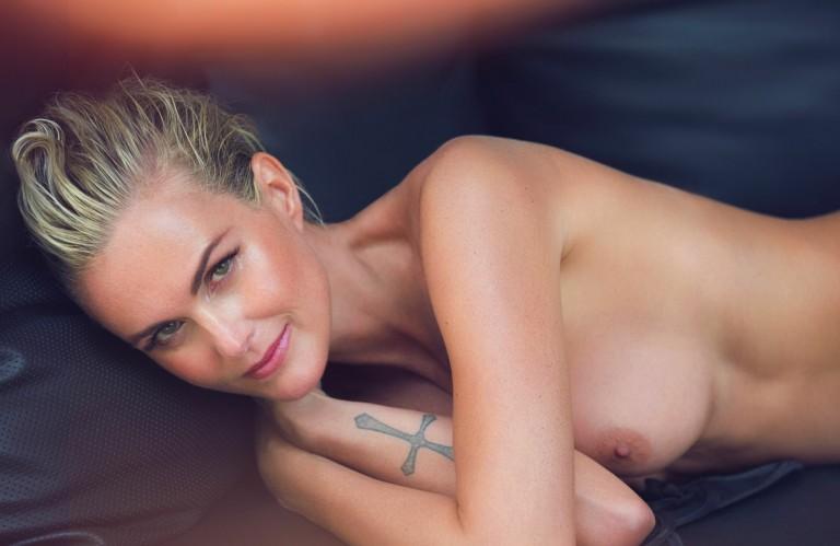 laeticia-hallyday-nue-naked-folkr-lui-magazine-03