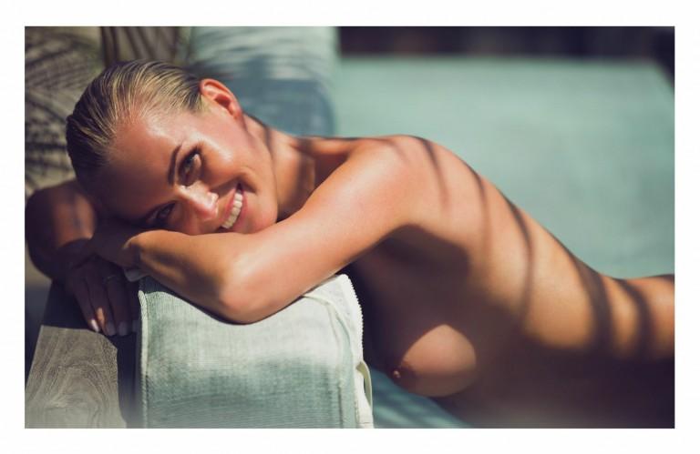 laeticia-hallyday-nue-naked-folkr-lui-magazine-13