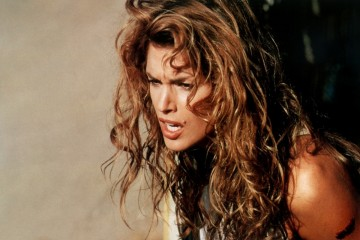 a-guide-to-cool-cindy-crawford-folkr-blog-photo-mode-14