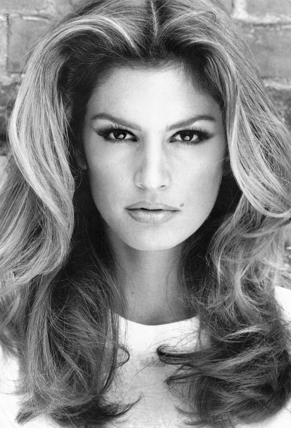 a-guide-to-cool-cindy-crawford-folkr-blog-photo-mode-3