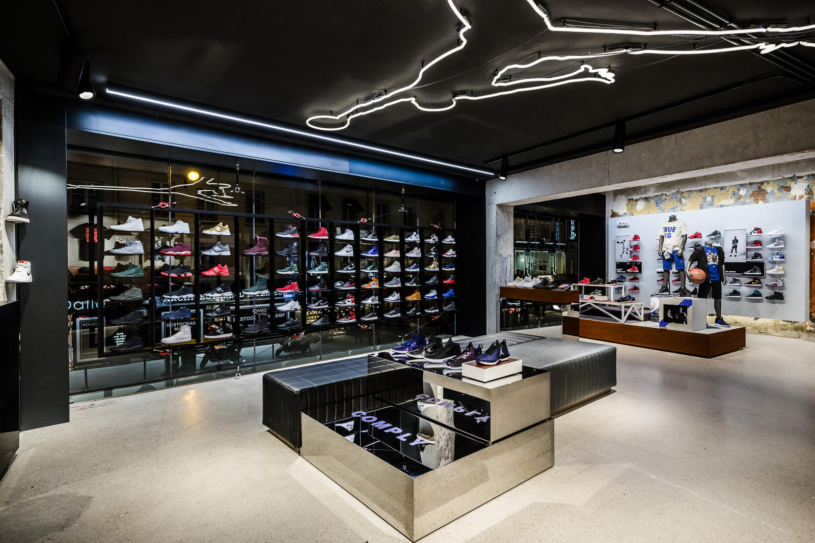 jordan-bastille-boutique-paris-folkr-03