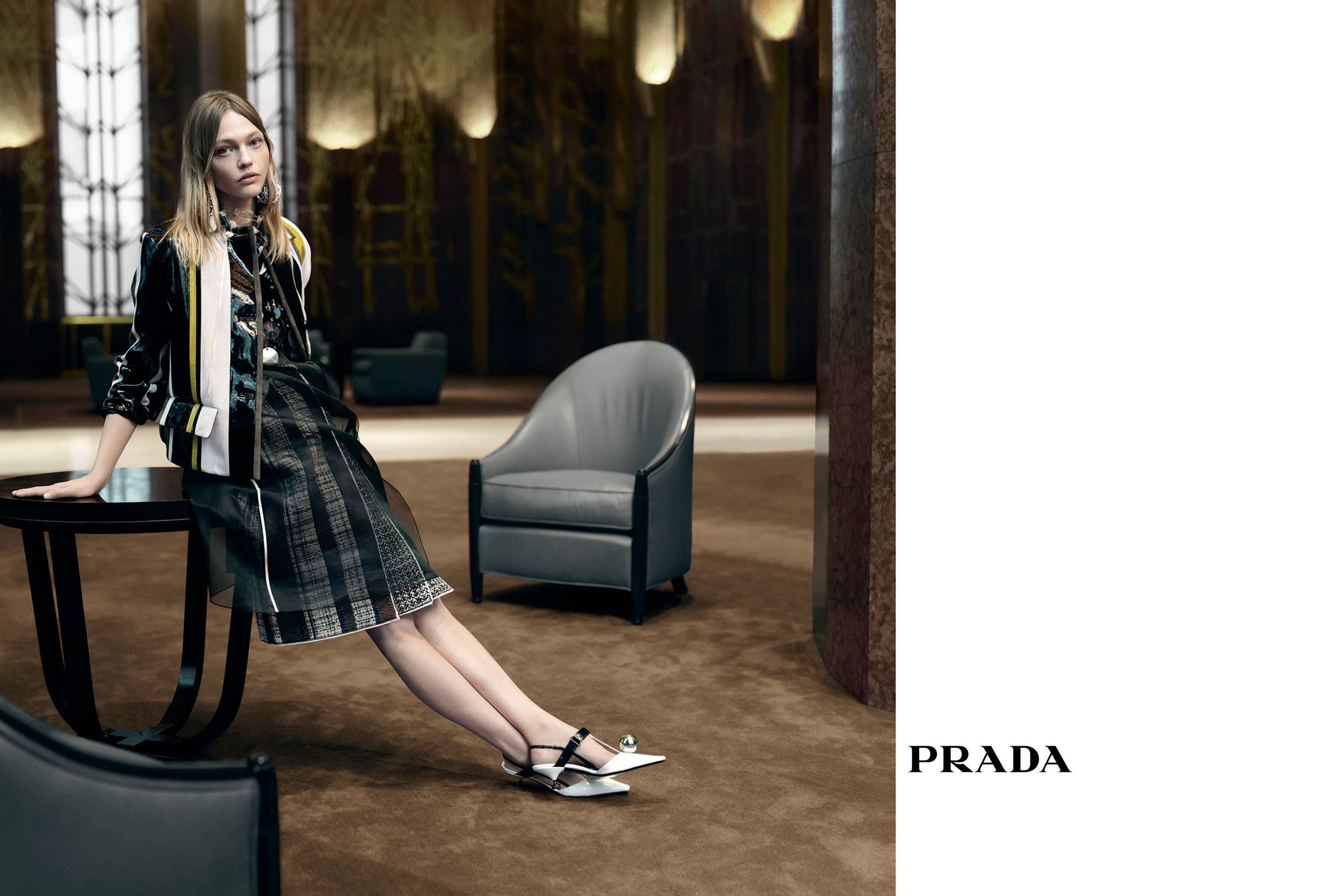ad-campaign-fall-winter-summer-2016-prada-folkr-34