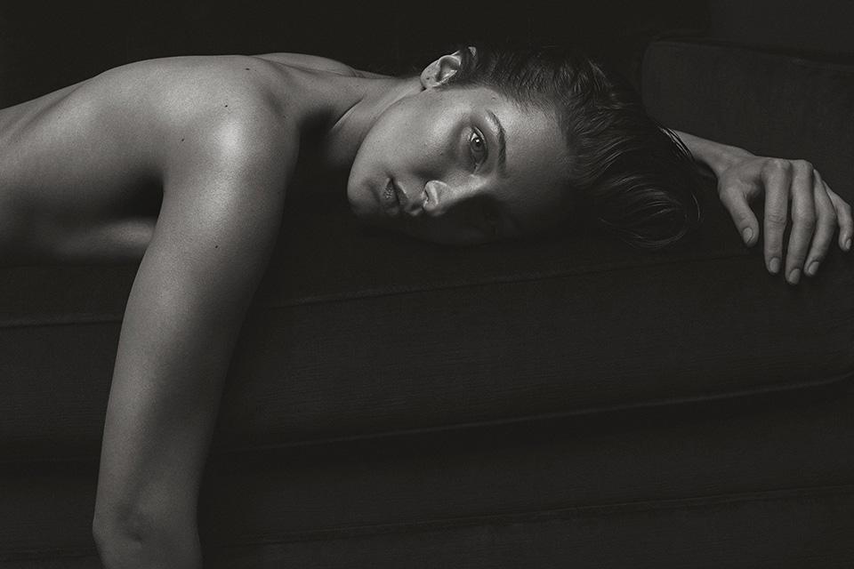 bella-hadid-naked-v-magazine-folkr-05