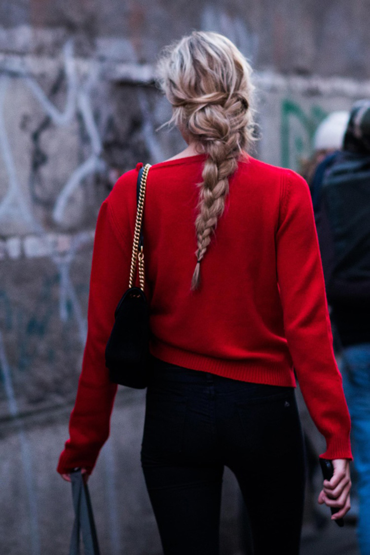 fashion-week-hiver-2017-milan-street-looks-Sandra-Semburg-folkr-10