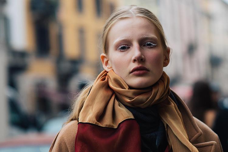 fashion-week-hiver-2017-milan-street-looks-Sandra-Semburg-folkr-13