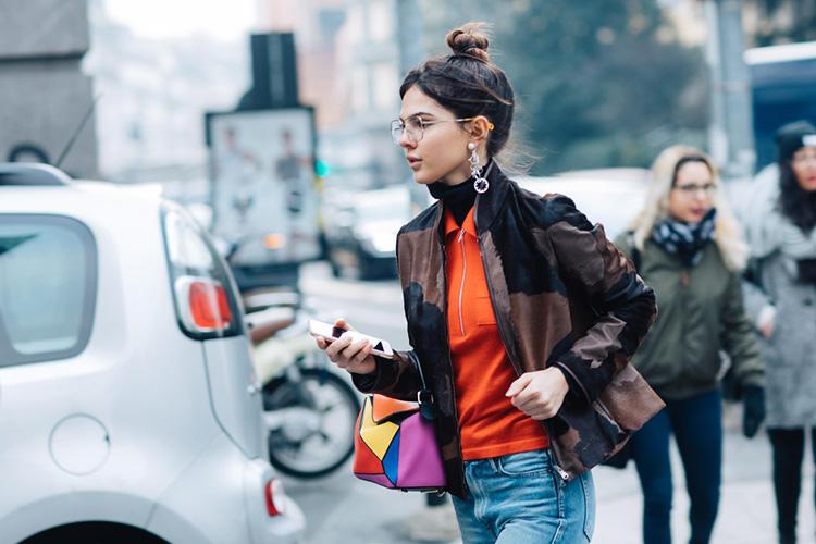 fashion-week-hiver-2017-milan-street-looks-Sandra-Semburg-folkr-15