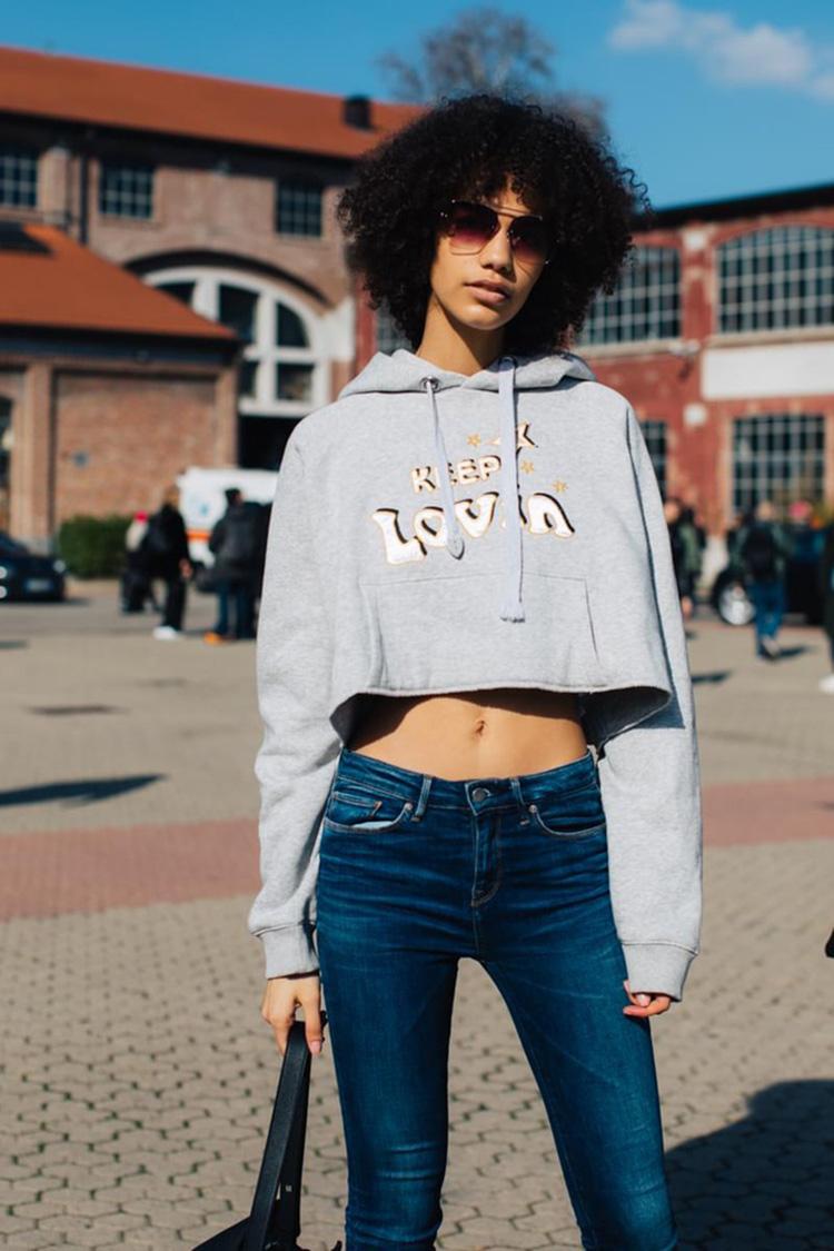 fashion-week-hiver-2017-milan-street-looks-Sandra-Semburg-folkr-21