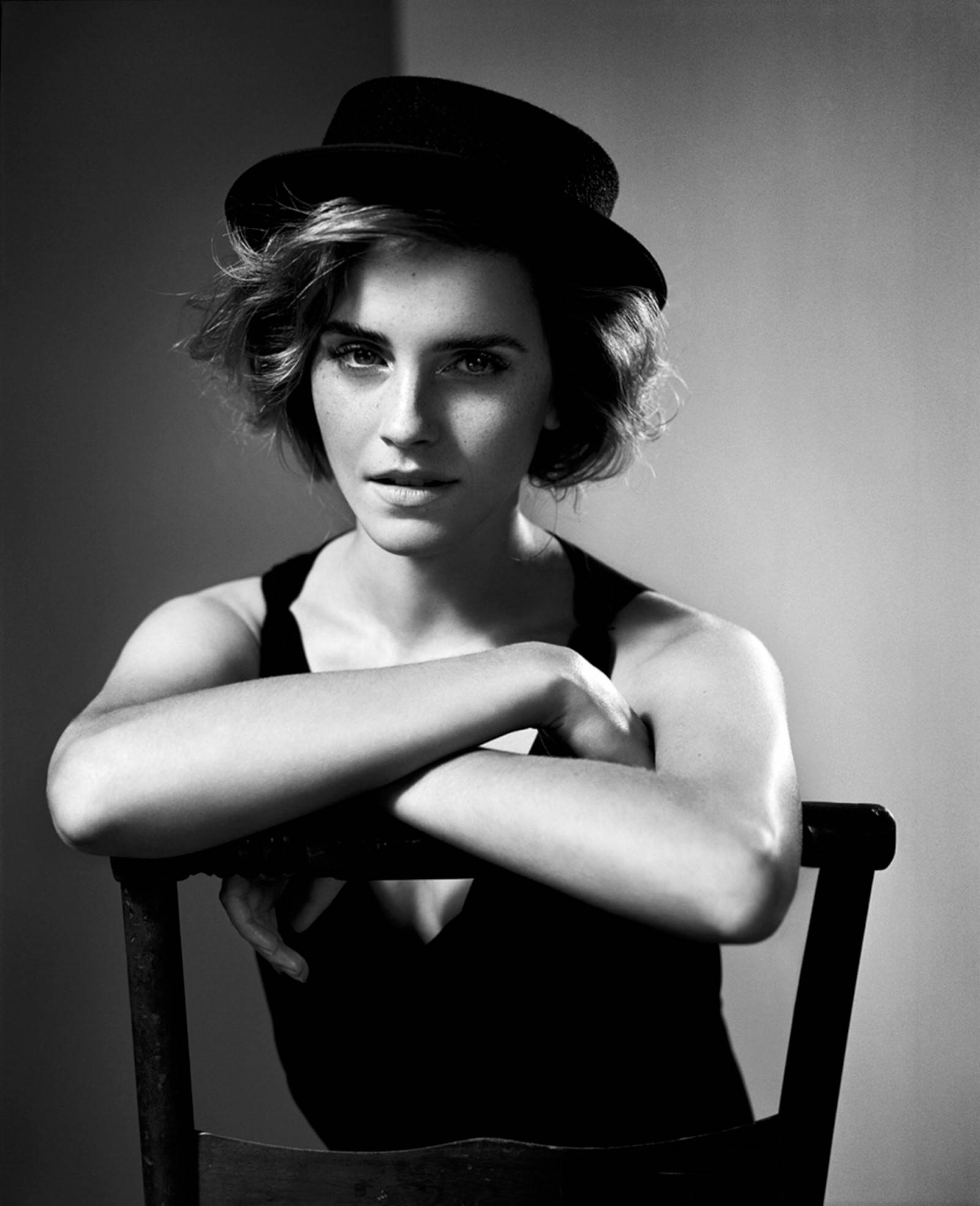 a-guide-to-cool-emma-watson-photos-best-of-folkr-15