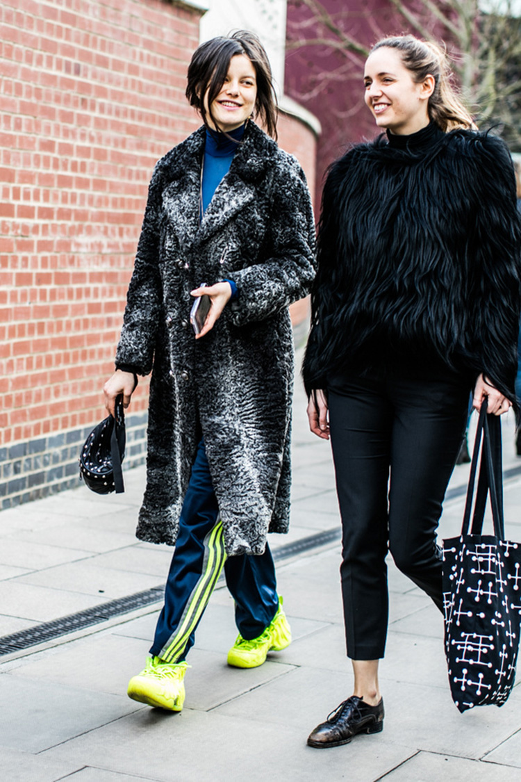 fashion-week-hiver-2017-london-street-looks-Sandra-Semburg-folkr-38