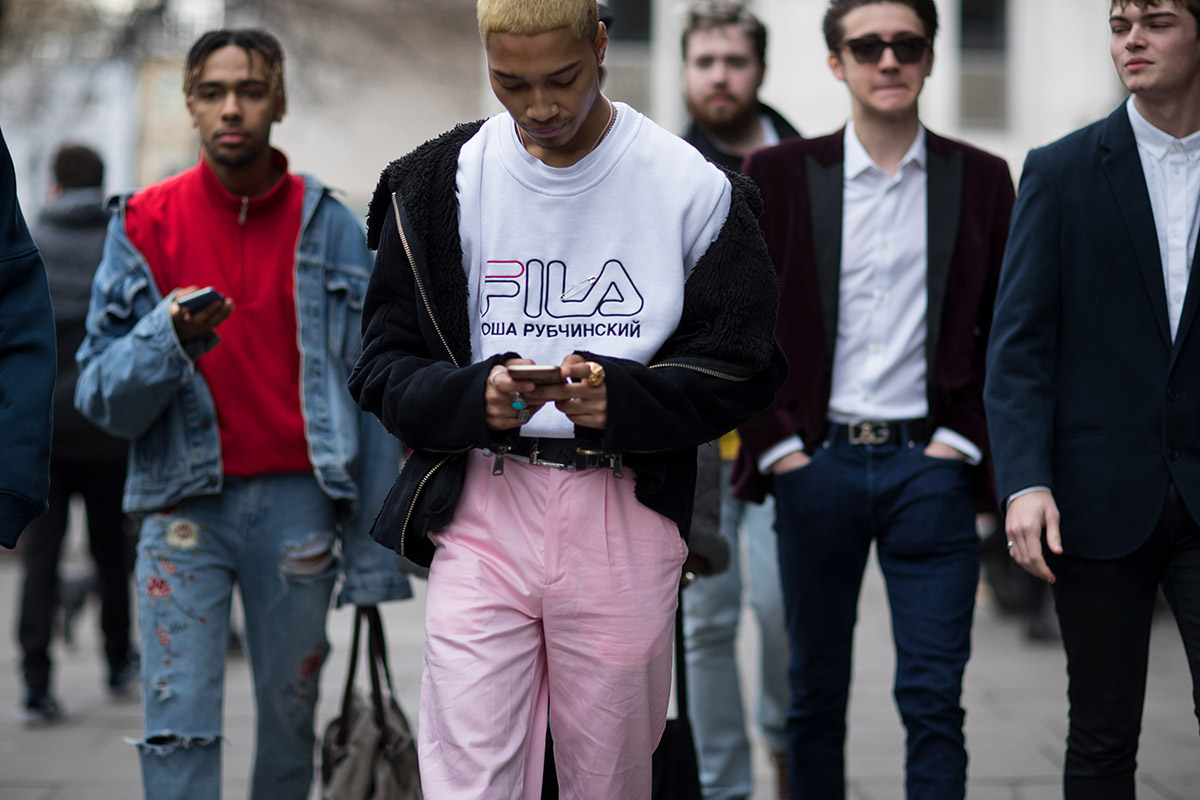 london-fashion-week-fw17-street-style-part-2-01