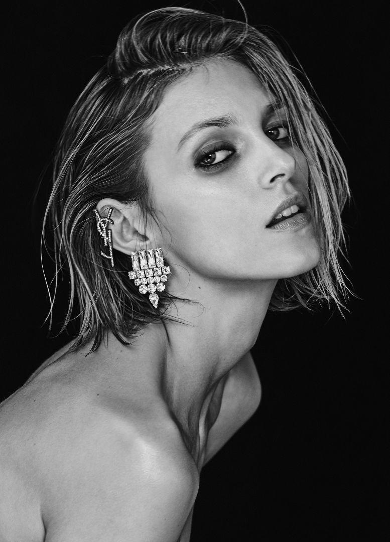anja-rubik-vogue-ukraine-feb-17-chris-colls-photo-folkr-13