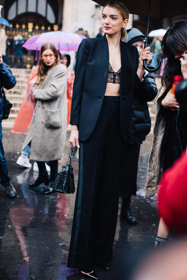 fashion-week-hiver-2017-paris-street-looks-Sandra-Semburg-folkr-1