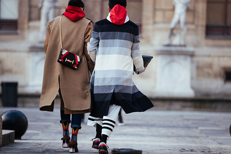 fashion-week-hiver-2017-paris-street-looks-Sandra-Semburg-folkr-39
