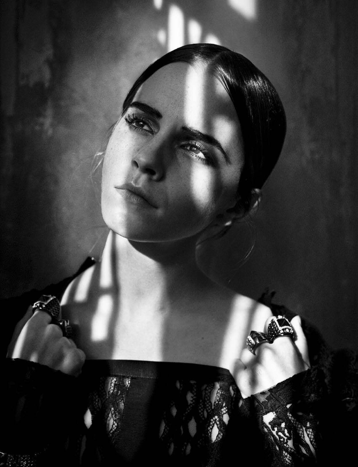 emma-watson-by-vincent-peters-for-vogue-italia-november-2015-Vincent-Peters-exposition-hune-paris-folkr-01