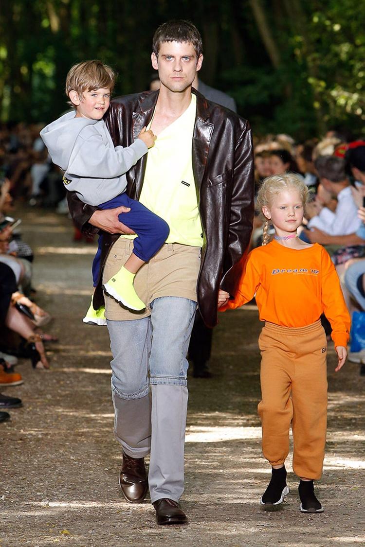 balenciaga-fashionweek-homme-ss18-folkr (2)