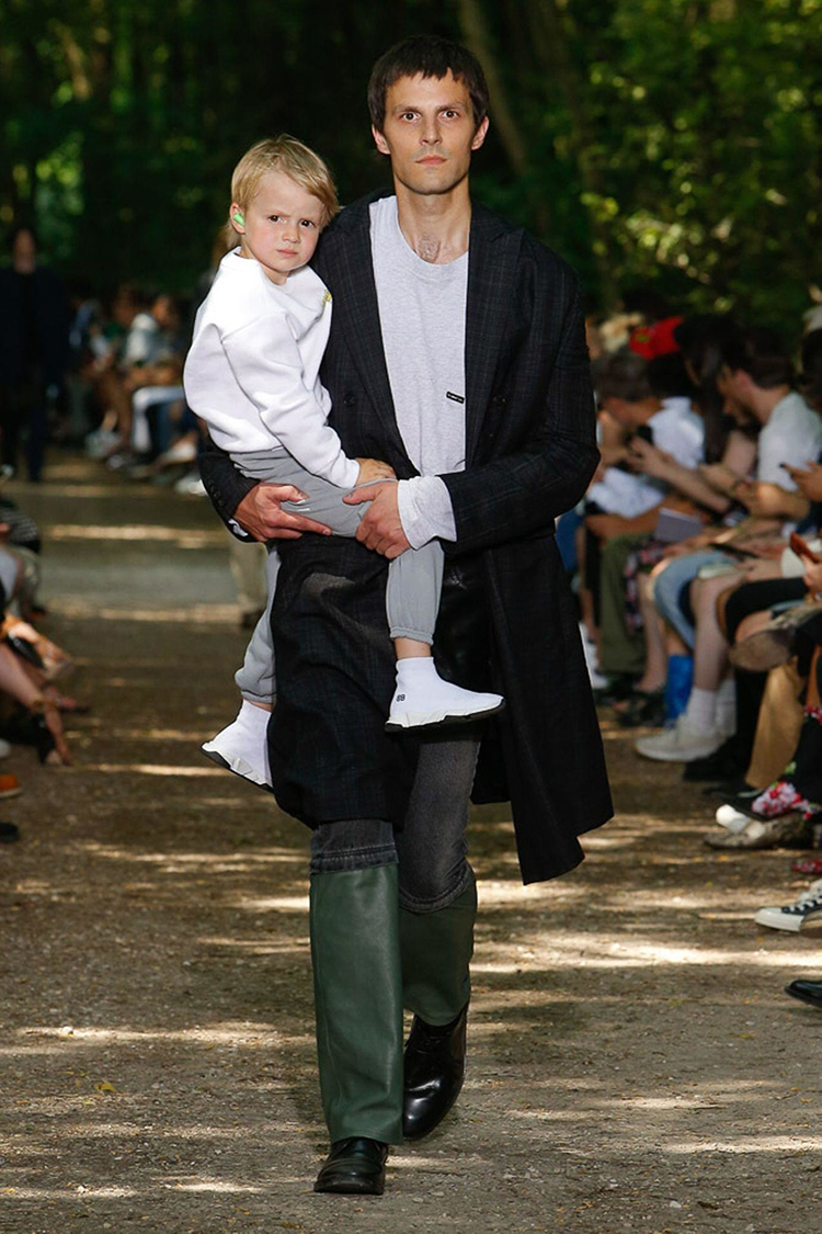 balenciaga-fashionweek-homme-ss18-folkr (3)
