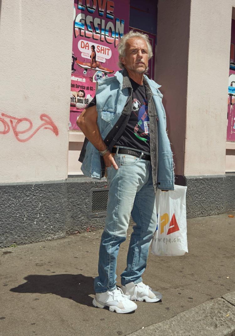 vetements-collection-printemps-ete-2018-shooting-zurich-demna-gvasalia-folkr-25