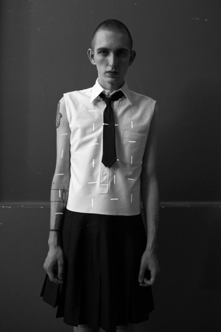 backstage-defile-homme-femme-ss18-folkr-thom_brown_ss_18_t3