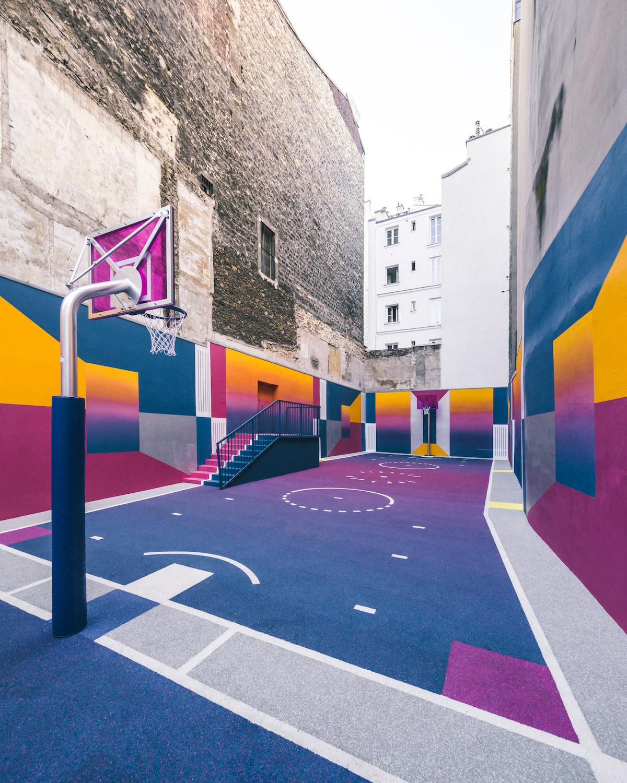 pigalle-basketball-court-ill-studio-paris-terrain-folkr-01