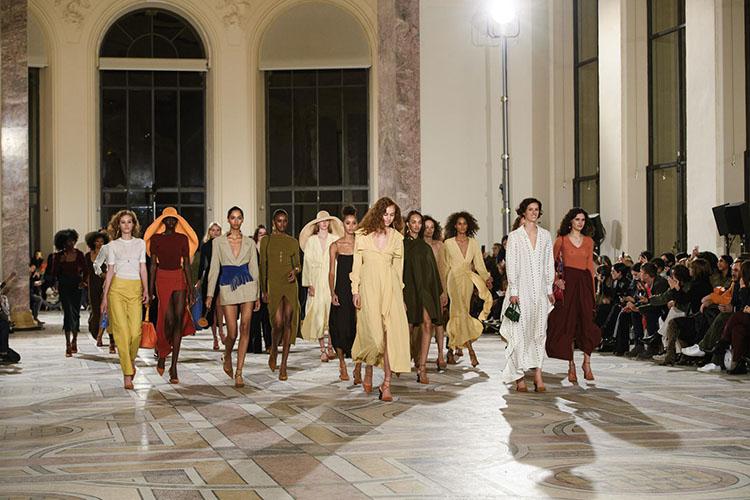 Jacquemus-fashion-show-FW18-pfw-folkr